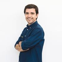 Guillermo González-OutónDesarrollo